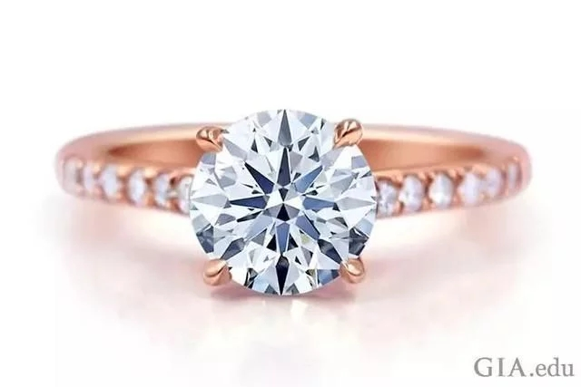 钻石冷知识 | 不懂钻石,怎么去求婚?